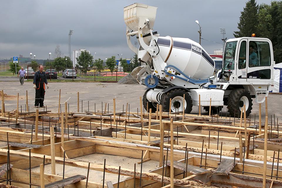 В Горках техника Fiori участвует в строительстве нового храма
